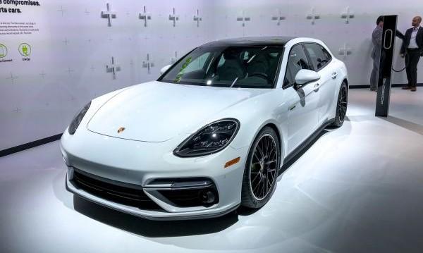 Porsche разкри най-мощното серийно комби в света