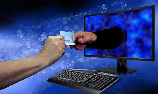 Европол арестува четирима български киберпрестъпници
