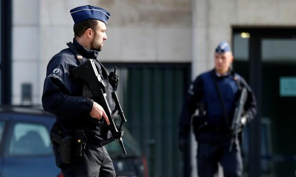 Заради заплахи във FB: Арест за служител на летище в Брюксел