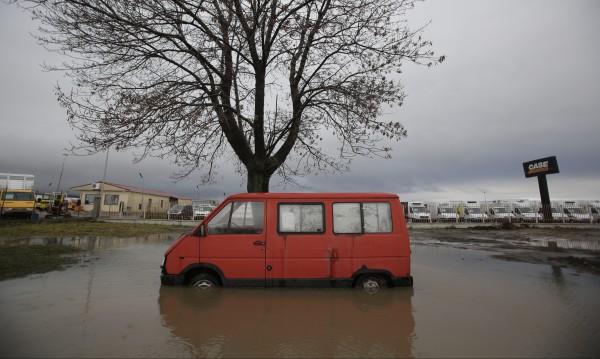 След дъжда: Най-тежко е в кюстендилското с. Гърляно