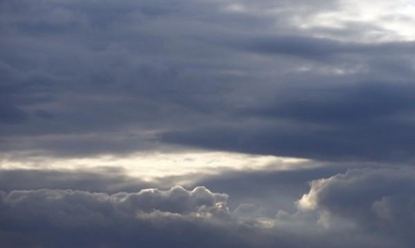 Облачно ще е днес, ще продължи да вали