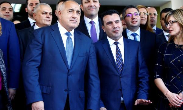 ЕС и САЩ напредват на Балканите, Русия – в Близкия изток
