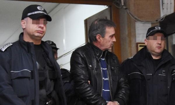 Адвокат в ареста – носил дрога в затвор, не знаел!?