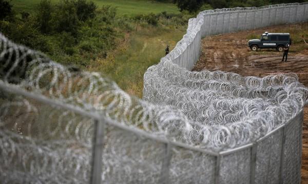 Германски експерт: България да вкара бежанците в коловоза!