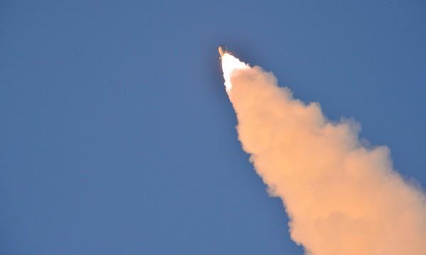 Екипаж на самолет видял ракетата на КНДР в полет?