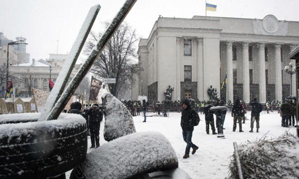 Полицаи vs. привърженици на Саакашвили в Киев