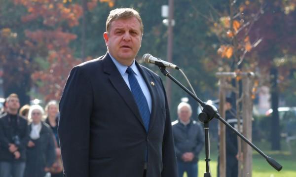 Каракачанов: Промяната на договори е притеснително!