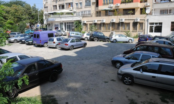Евростат: За българина колата е много по-любима от дома!