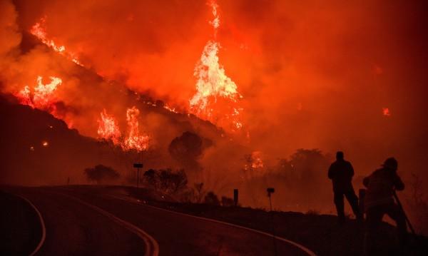 Пожарите в Калифорния - все още извън контрол