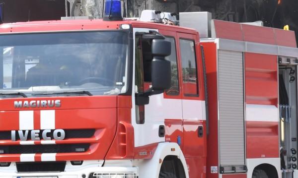 Пожар унищожи 5 леки автомобила в Пловдив