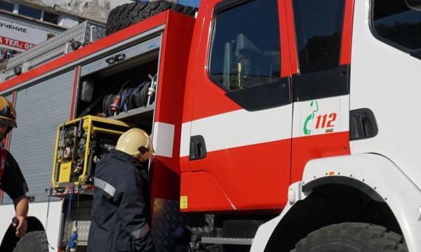 Пожар прати 69-годишен в болница с опасност за живота