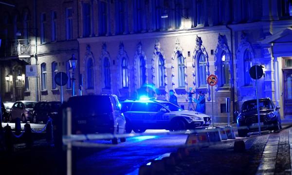 """Младежи нападнаха с коктейли """"Молотов"""" шведска синагога"""