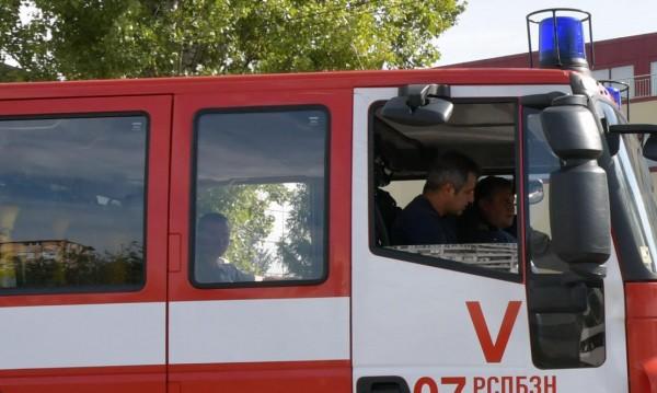 Жена падна от покрив, качила се да гаси пожар