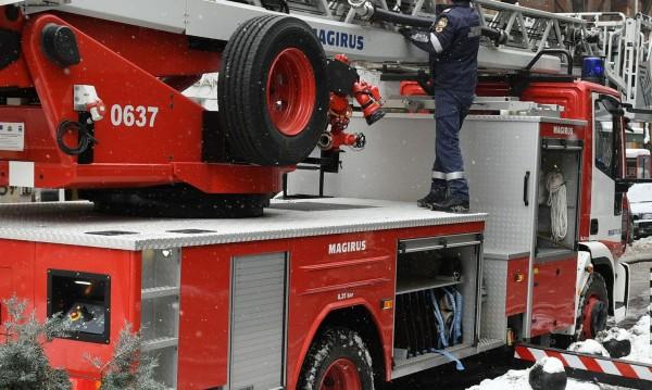 Пенсионери загинаха при пожар в дома им в Свищовско