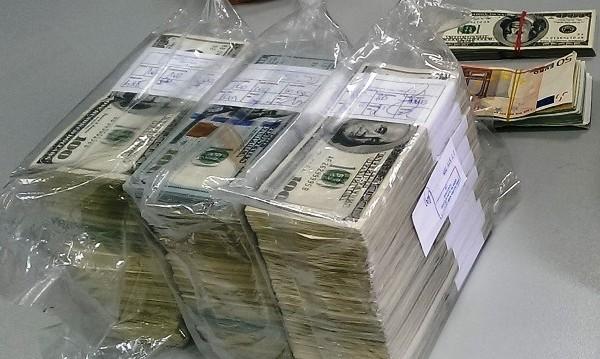 Задържаха валута за 55 000 лв. на Капитан Андреево
