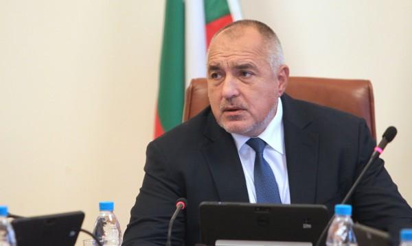 """Борисов: Купуваме техника, а пари за ремонт?! Летят 4 """"Кугър""""-а от 12!"""