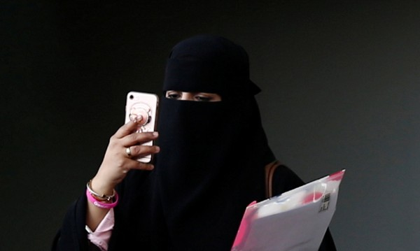 Саудитска Арабия разхлаби забраните: Жените на мотори!