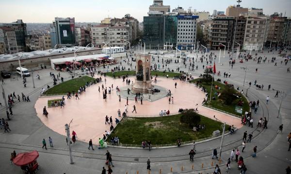 """Сигурност: Без новогодишни празненства на """"Таксим"""""""
