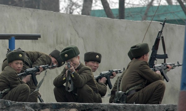 Сутрин, мъгла... севернокорейски войник избяга на юг