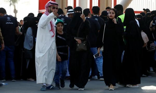 От днес: Половината саудитци – със социални помощи