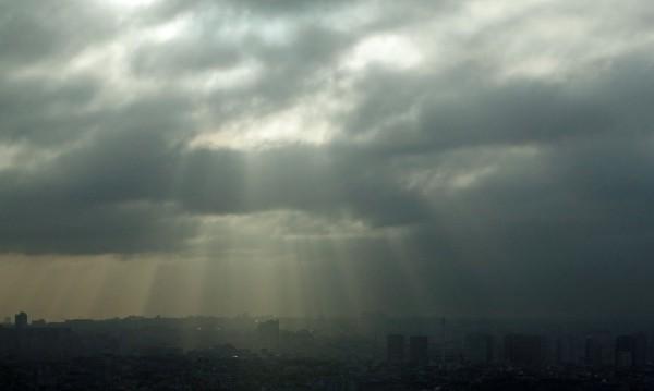 Студ и облаци в събота, градусите скачат от понеделник