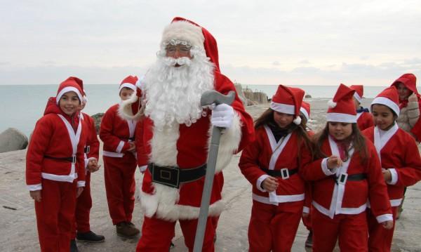 Дядо Коледа, искам GSM, таблет, дрон! Желанията на днешните деца