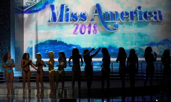 """Оставки в """"Мис Америка"""" заради обиди към миските"""