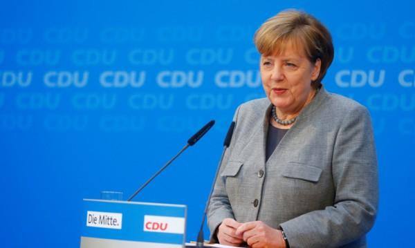 Половината германци искат Меркел да си ходи