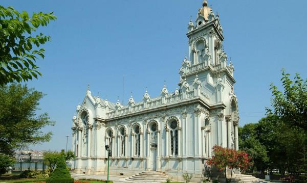 """Желязната църква """"Св. Стефан"""" в Истанбул отново в пълния си блясък"""