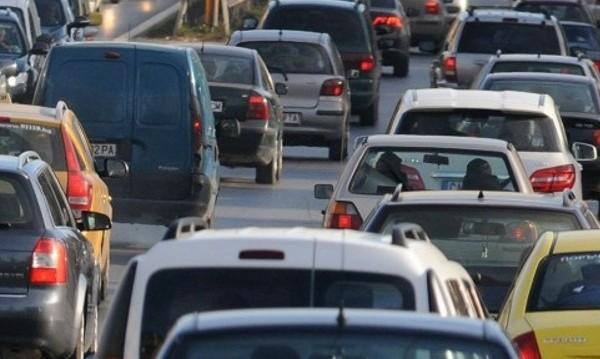 Засилен трафик се очаква! Спират камионите следобед