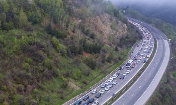 В последния почивен ден: Трафикът интензивен, без драми