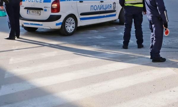 """Шофьор на автобус помете 86-годишна баба на """"зебра"""""""