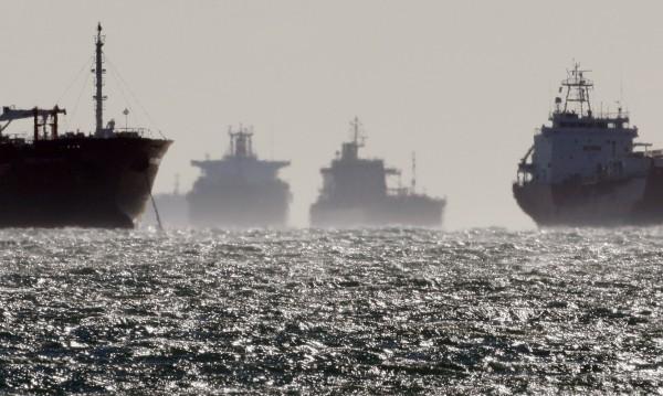 Южна Корея задържа кораб – возел нефт за КНДР?