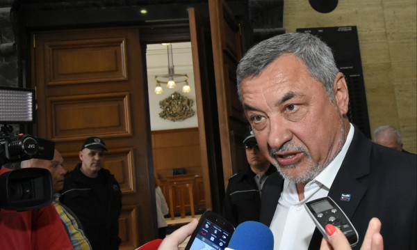 Вицето Симеонов: 8 министри са срещу гей ратификацията!