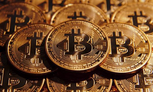 Криптовалутите – децентрализирани, но данъците си остават!