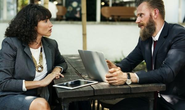 5 комуникативни умения, които подобряват общуването