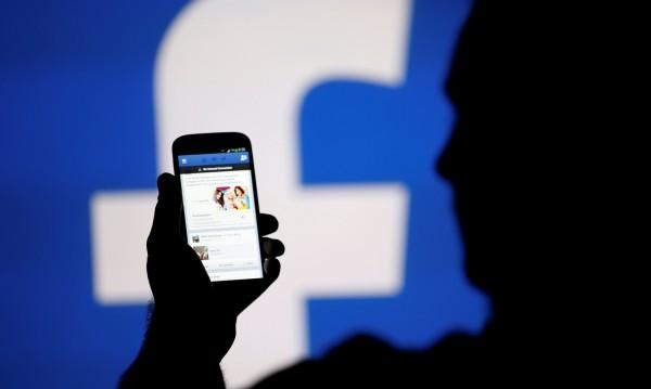 Facebook пак променя нюзфийда си! Защо?
