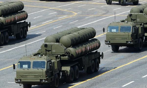 Нов дивизион руски ракети С-400 на бойно дежурство в Крим