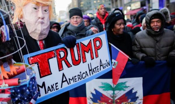 В Ню Йорк стотици протестираха срещу расизма на Тръмп