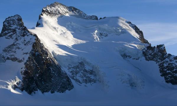 Двама алпинисти загинаха в австрийските Алпи