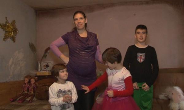 Обрат за Ивелина и децата й: ЧСИ опрости дълга й, заля я много добрина