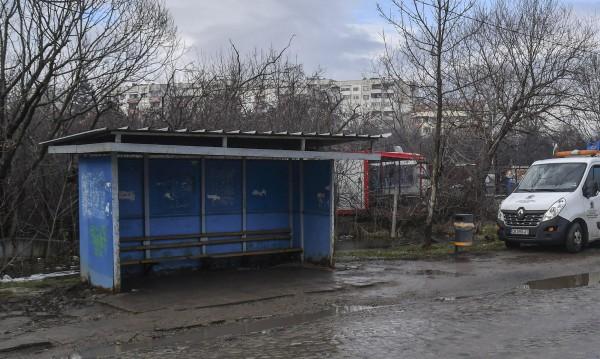Пиян шофьор помете спирка на градския транспорт в София