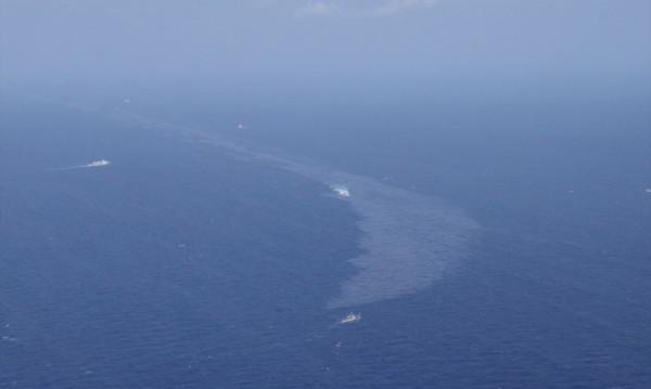 Петролен разлив колкото Париж в Източнокитайско море