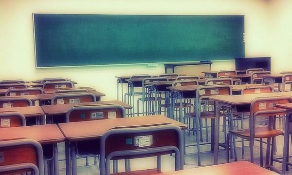 Заради вятъра: Празни класни стаи в 60 училища в страната