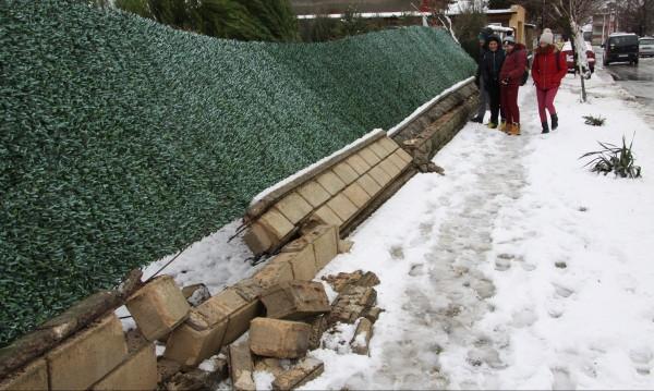 Бурята e безмилостна! 185 села и градове са без ток