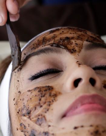 Шоколад по кожата – ефективната глезотийка