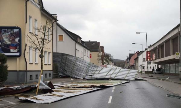 """Бурята """"Фридерике"""" взе най-малко 10 жертви в Европа"""