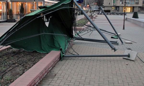 Край на бедствието в Карлово. Почва борбата с щетите