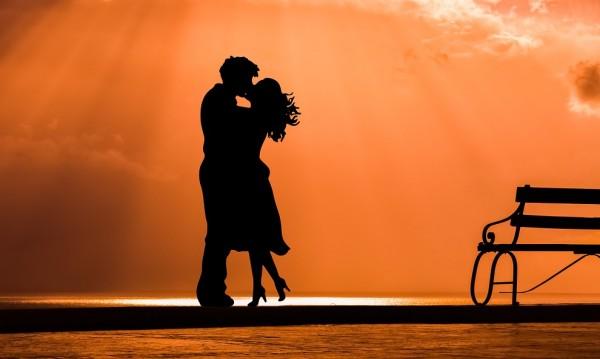 Първата любов! 5 начина, по които ни променя