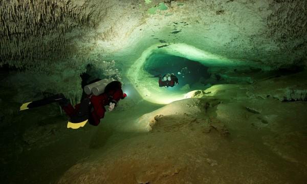 Тайнство под вода: Най-дългата подводна пещера